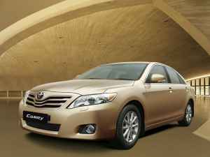 Luxary Sedan-Toyota Camry